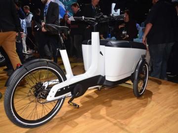 VW w Genewie - Amarok, Bulli i Cargo e-Bike