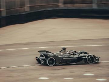 Pierwsze testy elektrycznego bolidu Porsche