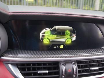 Alfa Romeo Stelvio QV Q4 2,9 V6 Bi-Turbo AT8 510 KM – Bezkompromisowy
