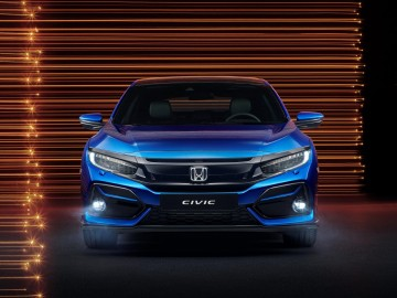 Honda Civic Sport Line – Co łączy go z Type R-em?