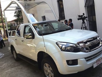 Nowe Papamobile to Isuzu D-Max