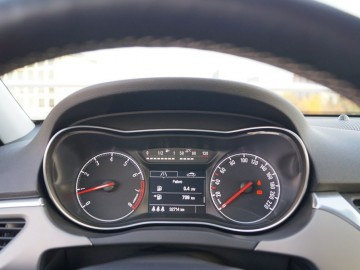Opel Corsa E 5d Cosmo 1.0 Turbo EcoTec 115 KM - Trochę nowa, trochę…