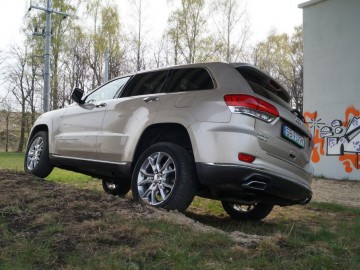 Jeep Grand Cherokee Overland Summit 3.0 CRD - Komfortowo i off-roadowo