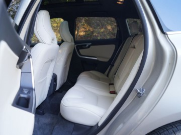Volvo XC60 D5 AWD 220 KM – Ikea na kołach