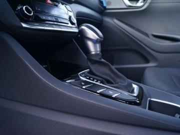 Hyundai IONIQ Hybrid 1,6 GDI 6DCT – Hyundai na bateryjce…