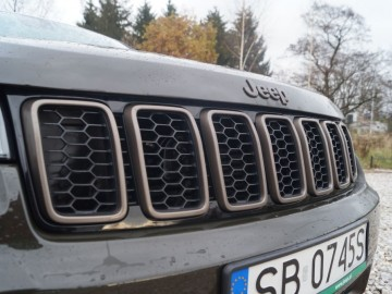 Jeep Grand Cherokee 3,0 CRD AWD 8AT – Legenda