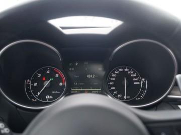 Alfa Romeo Stelvio AT8 Q4 2.2 DIESEL 210 KM – SUV po włosku