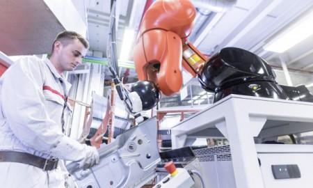 Człowiek – robot – fabryka przyszłości