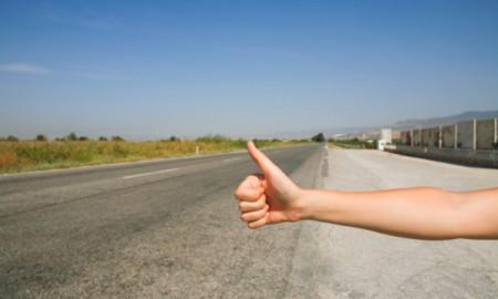 Autostop – czym to grozi?