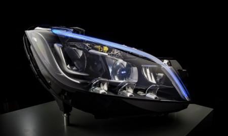 Mercedes z nowymi reflektorami LED