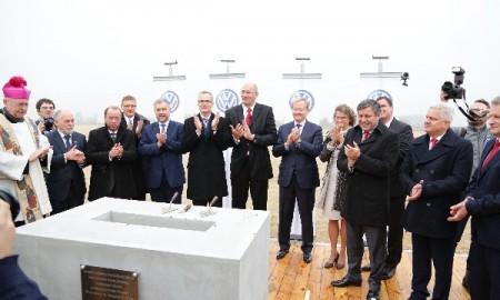 Wmurowanie kamienia węgielnego pod nową fabrykę VW w Polsce