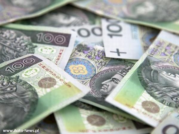 Polacy pożyczają coraz chętniej i coraz więcej