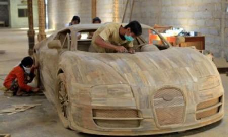 Bugatti Veyron z... drewna