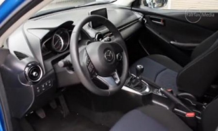Nowa Mazda2 – tak wygląda wnętrze