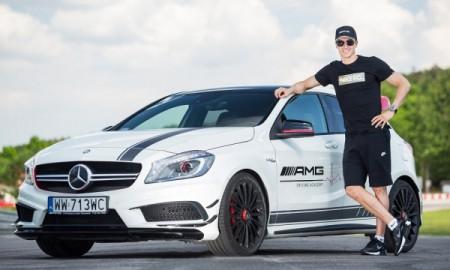 Robert Lewandowski za kierownicą Mercedesów AMG