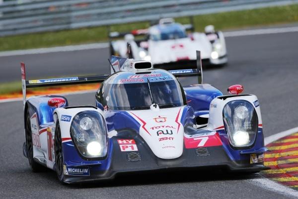 Hybrydowa Toyota szybsza od Audi i Porsche