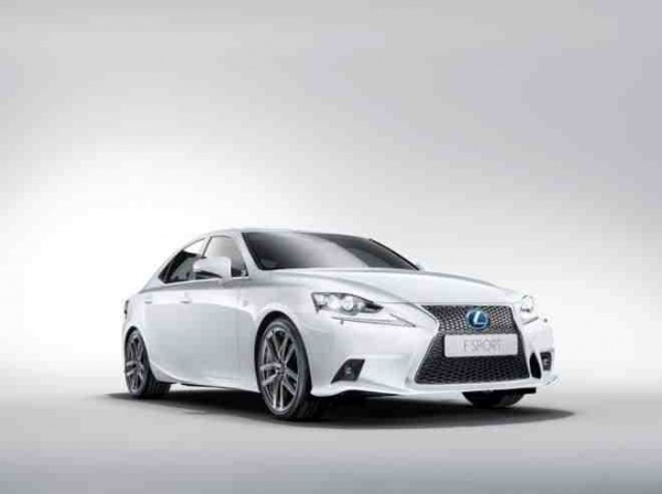 Lexus nie z Chin
