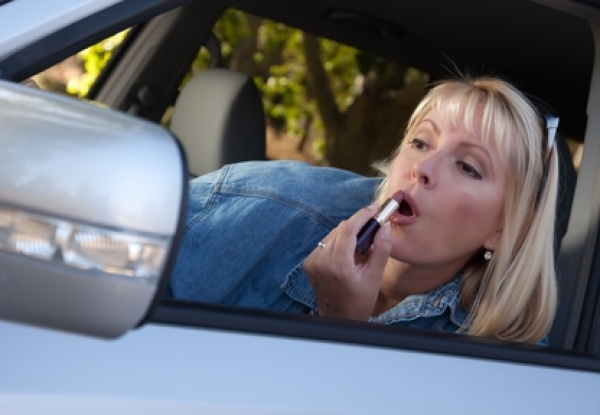 Panienka z okienka czy demon? Jakim jesteś kierowcą?