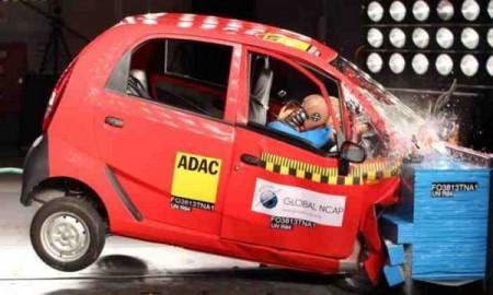 Niebezpieczne auta w Indiach