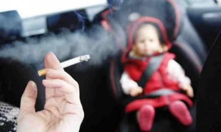Zakaz palenia w aucie przy dziecku