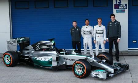 Pechowy początek dla Ferrari i Mercedesa