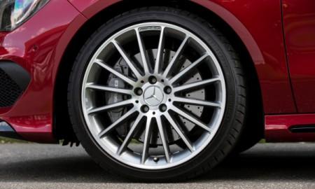 AMG ponownie wybrało Dunlopa