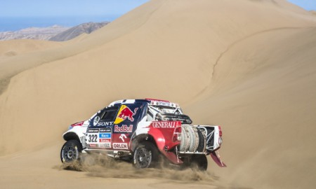 Problemy Małysza na trasie Dakaru