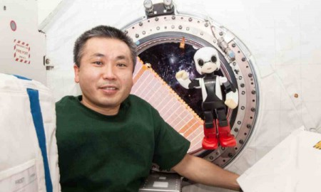 Pierwsza rozmowa z robotem w kosmosie