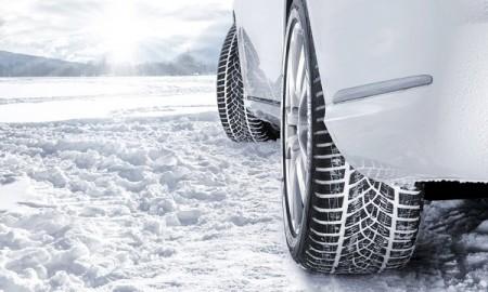 Polscy kierowcy chcą obowiązku jazdy na oponach zimowych