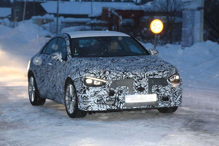 Nowy Mercedes CLA jeszcze w kamuflażu