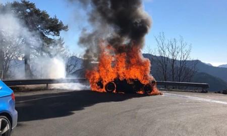 Chris Harris i Eddie Jordan w płonącym Alpine A110