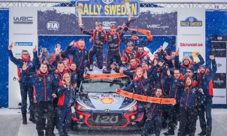 Thierry Neuville triumfuje w Szwecji