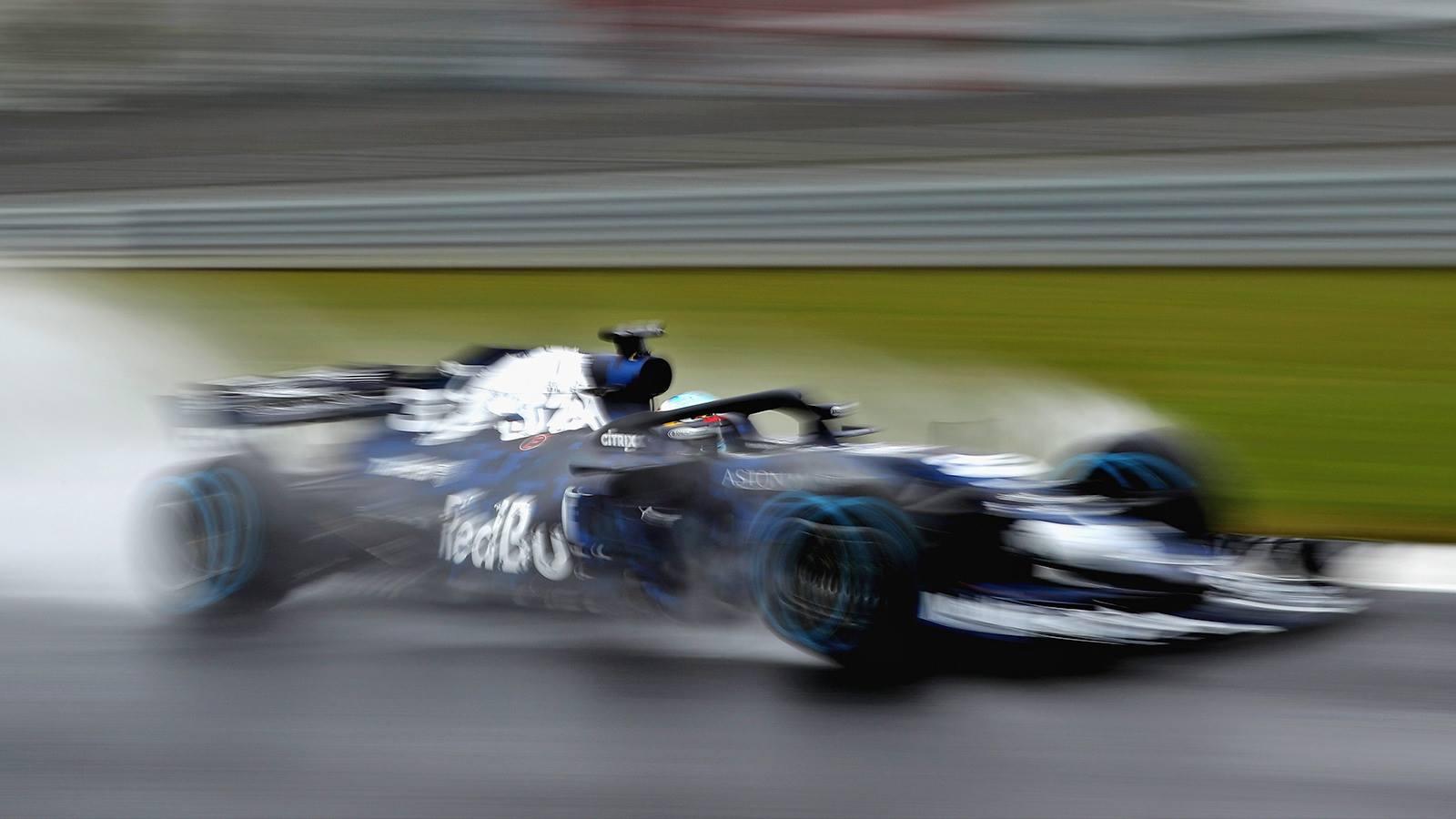 Daniel Ricciardo rozbił nowy bolid Red Bull RB14