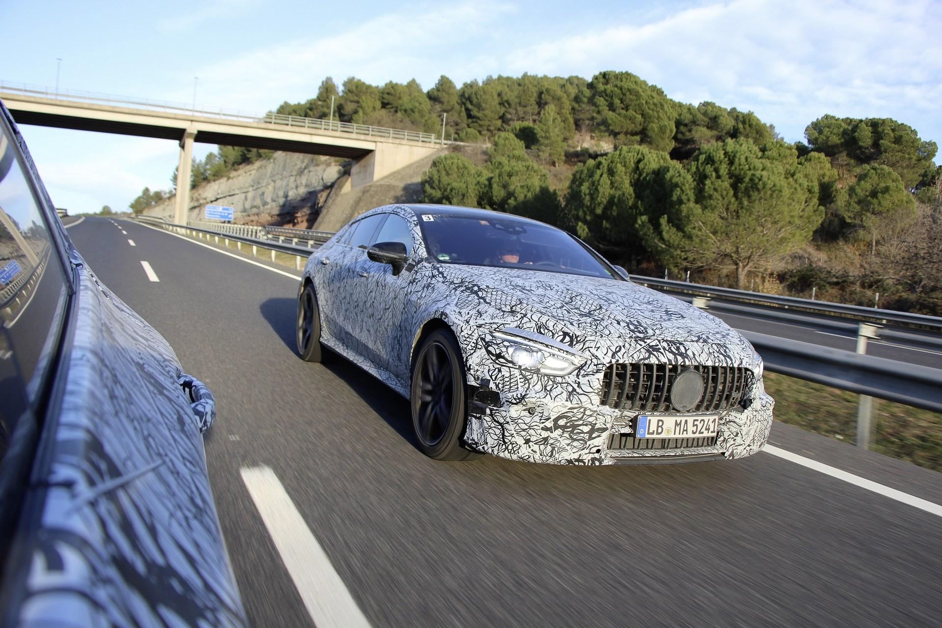 Mercedes-AMG GT4 – Rywal Porsche Panamera
