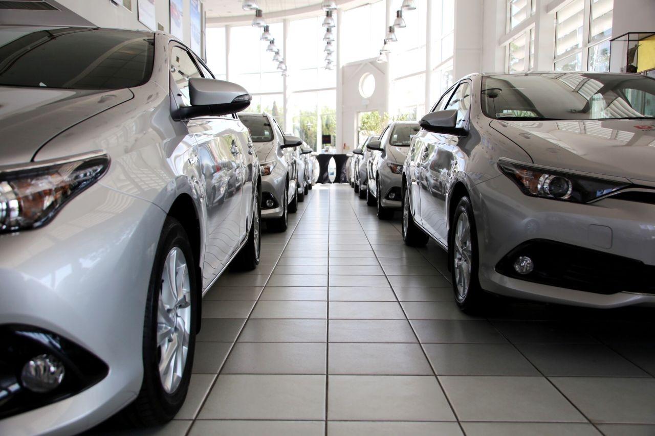 Sprzedaż nowych samochodów: najlepszy luty w ciągu 10 lat