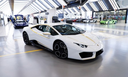 Papieskie Lamborghini na aukcji