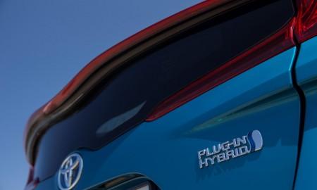 Pierwsza hybryda plug-in Subaru z komponentami z Toyoty Prius