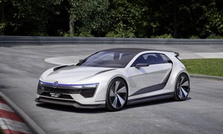VW Golf R stanie się hybrydą?