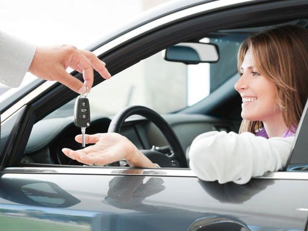 Potrzebujesz duży samochód tylko na wakacje? Wypożycz go