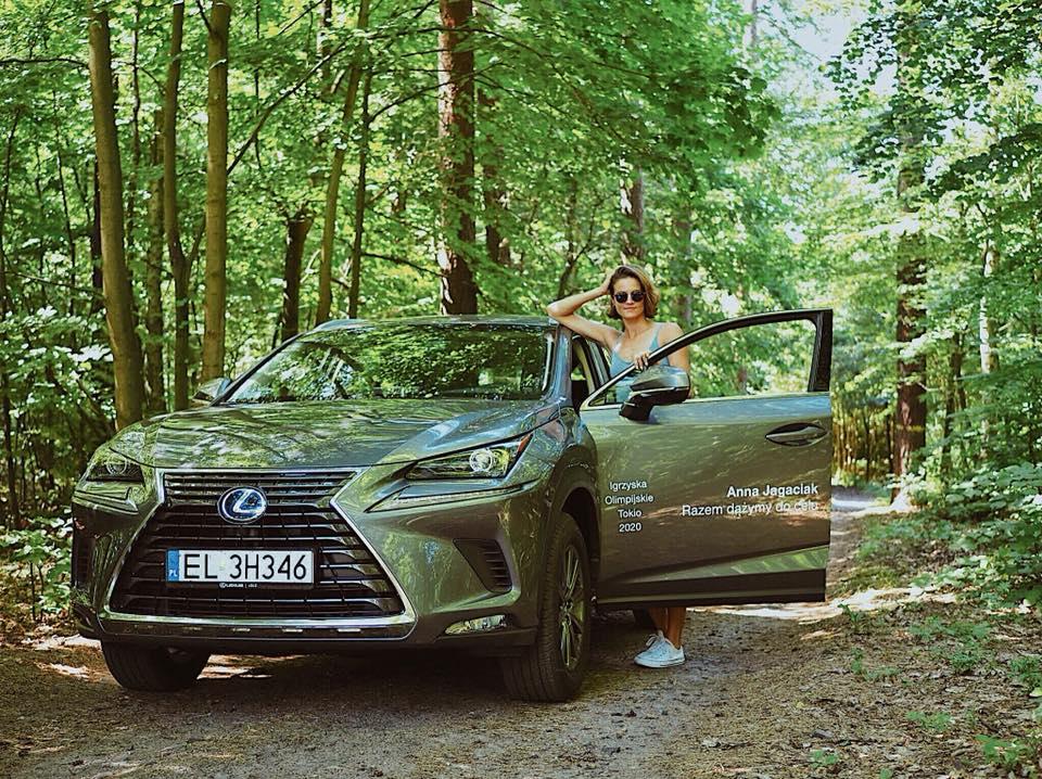Mistrzyni Polski w trójskoku Anna Jagaciak-Michalska jeździ Lexusem NX
