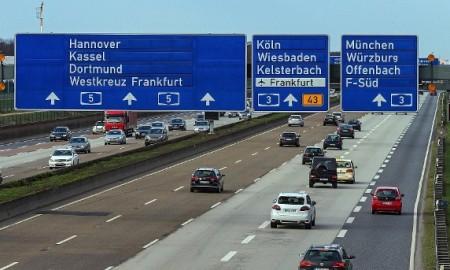 Eurotrip samochodem, czyli co powinieneś ze sobą zabrać