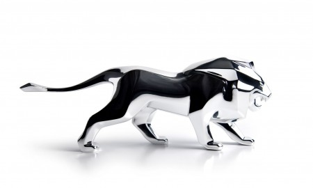 Peugeot prezentuje miniaturową rzeźbę lwa - symbol marki