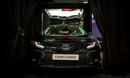 Nowa Toyota Camry – debiut w Paryżu i w Krakowie