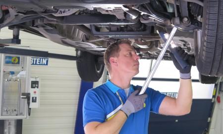 Sprawność amortyzatorów maleje z wiekiem samochodu