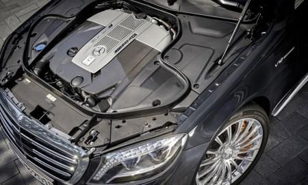 Mercedes bez V12, ale z V8