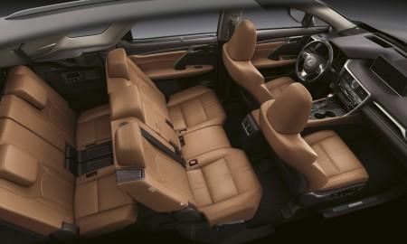 Minivan w gamie Lexusa?