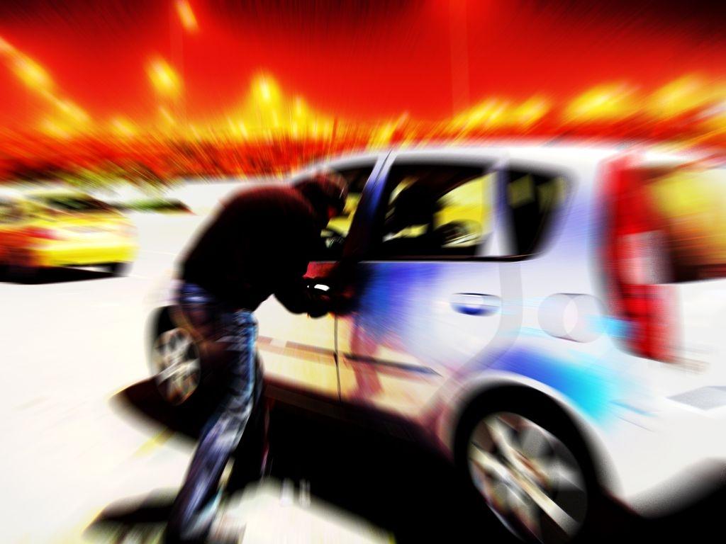 Gdzie trafiają skradzione w Polsce samochody?