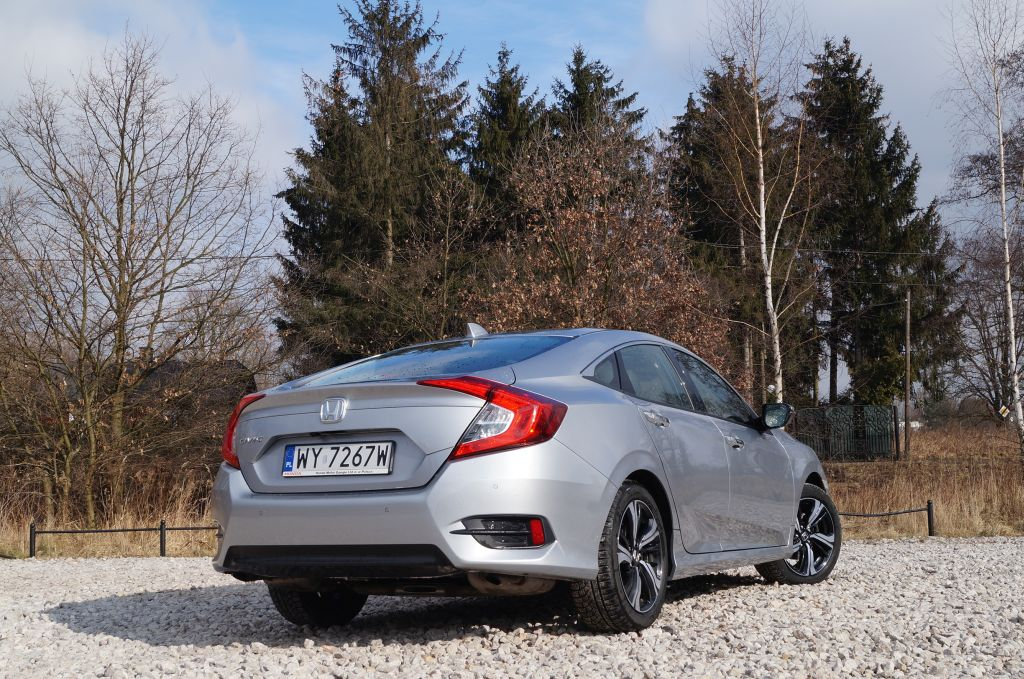 Honda Civic 4d 1,5 VTEC Turbo 180KM – sedan nieoczywisty