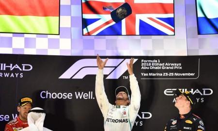 Lewis Hamilton zakończył sezon zwycięstwem