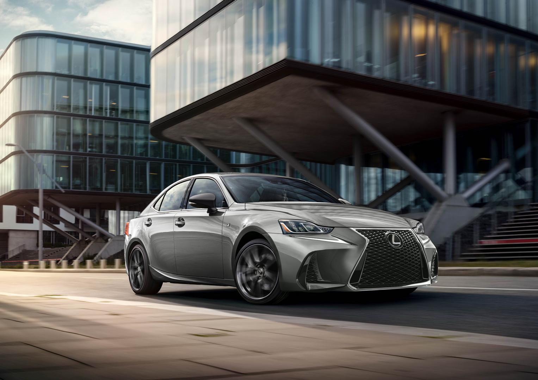 Lexus z wyższą sprzedażą niż Porsche